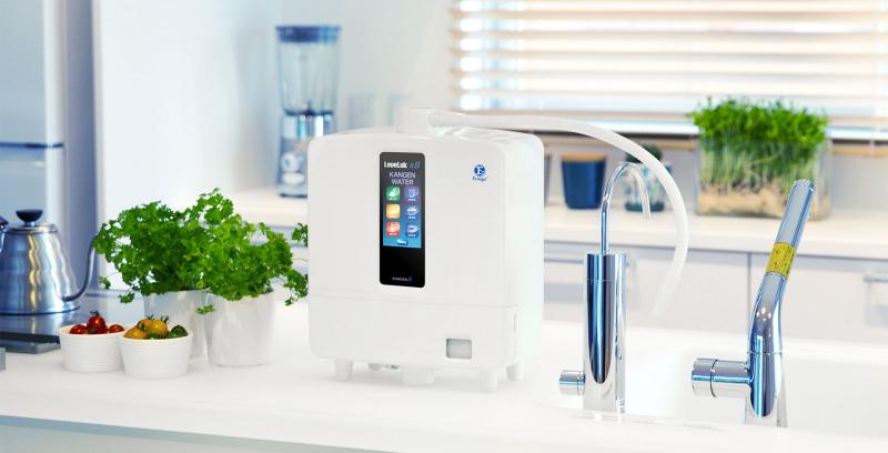 Bạn nên uống nước ngay sau khi lấy từ máy để đảm bảo hiệu quả tốt nhất
